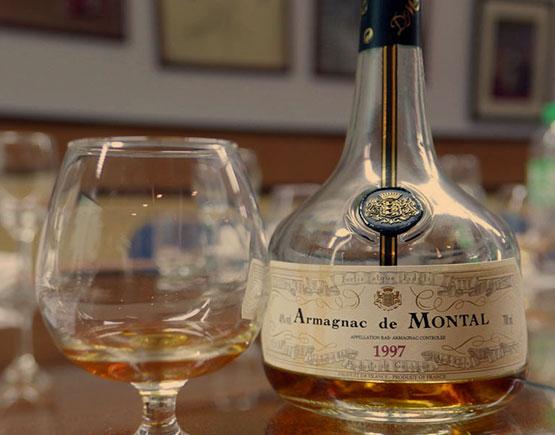 Armagnac-de-Montal-glass