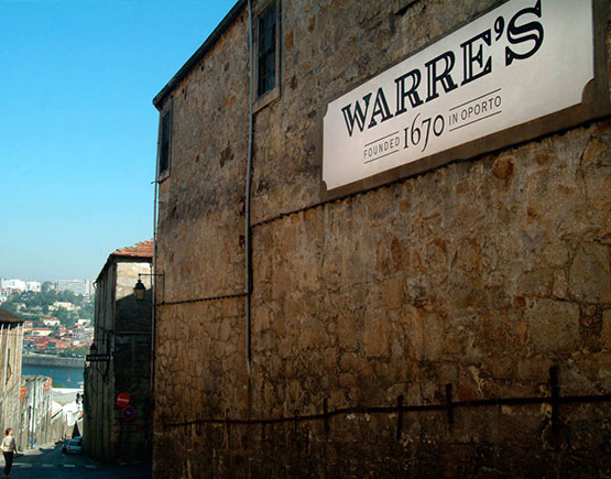 Port-Warre-sign-building